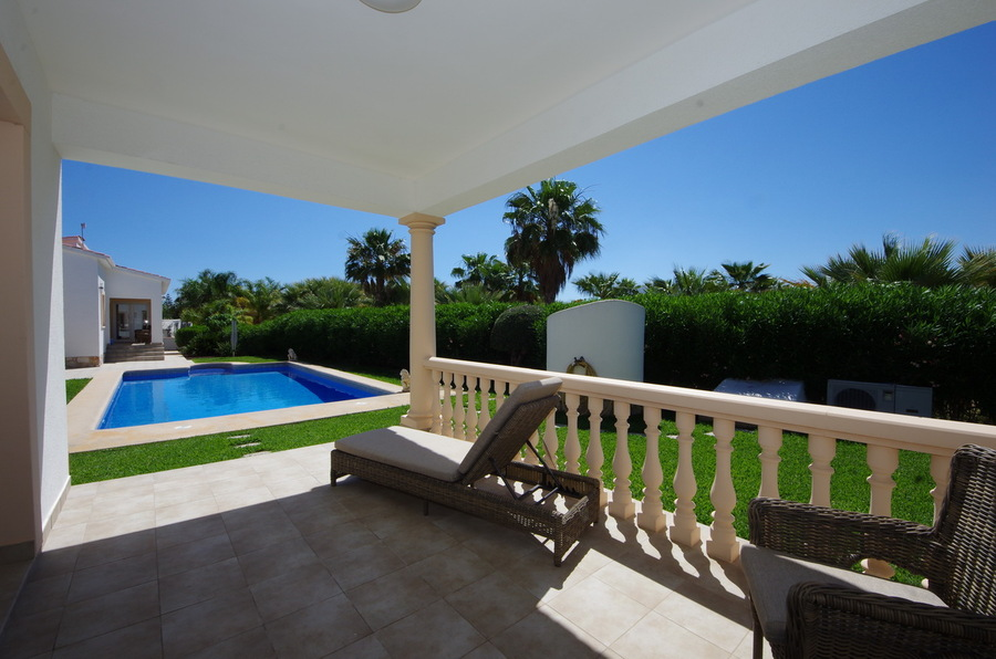 890TC: Villa for sale in  - Dénia