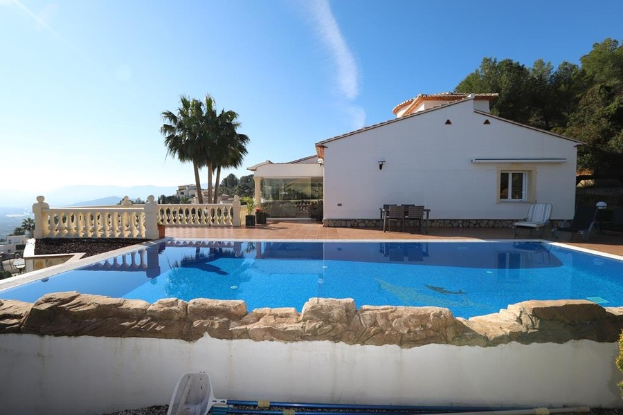 LS850: Villa in La Sella Golf